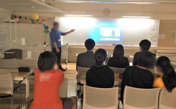 セルマーク・ジャパンの社員ボランティアさんが、学習会で子どもたちのプレゼンをお聞きになりました